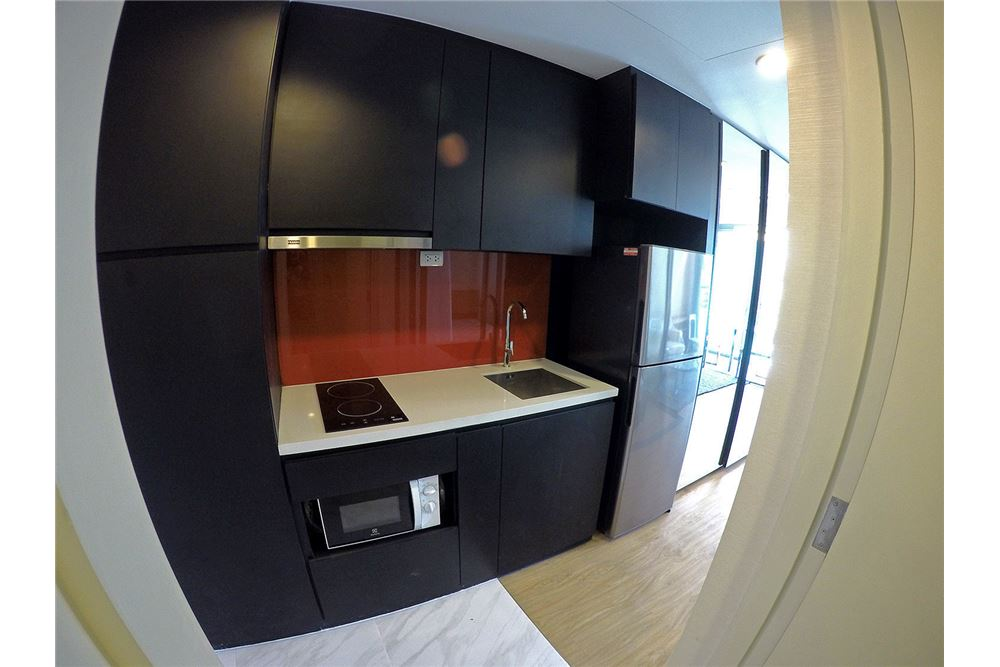 RE/MAX Properties Agency's for rent Siamese Surawong 1bedroom 6