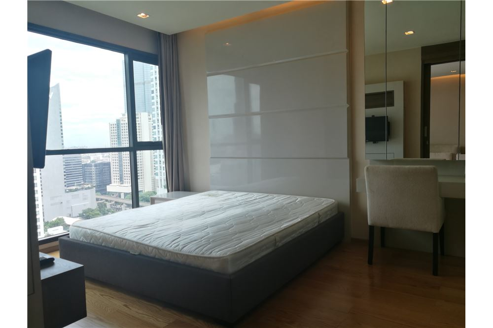 RE/MAX Executive Homes Agency's Spacious 1 Bedroom for Rent Address Sathorn 2