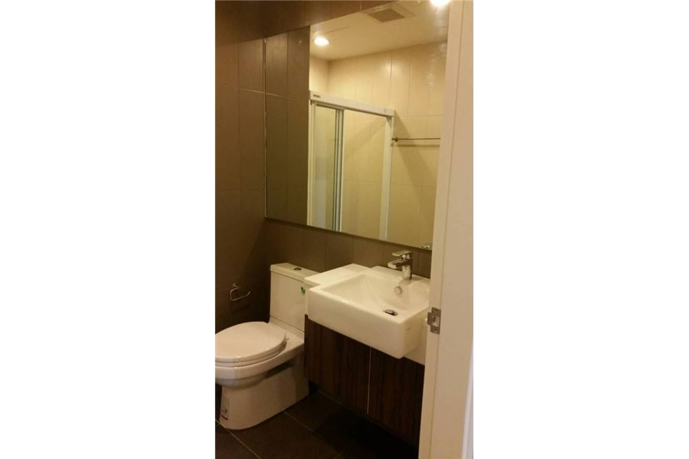 RE/MAX Properties Agency's for rent Centric Ratchada - Huai Khwang 1bed 10