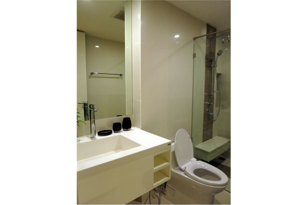 RE/MAX Executive Homes Agency's 1 Bedroom / for Rent / Collezio @ Sathon-Pipat 4