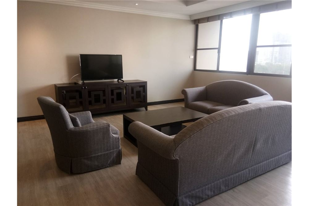 RE/MAX Executive Homes Agency's Apartment 3 Bedrooms For Rent On Sukhumvit 1