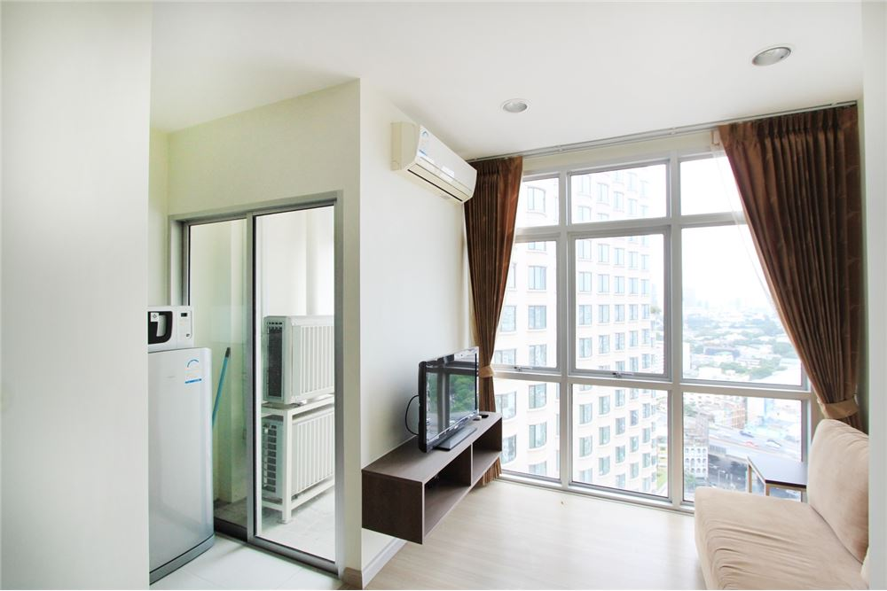 RE/MAX Properties Agency's 1 Bedroom for sale 3.6 MB 2