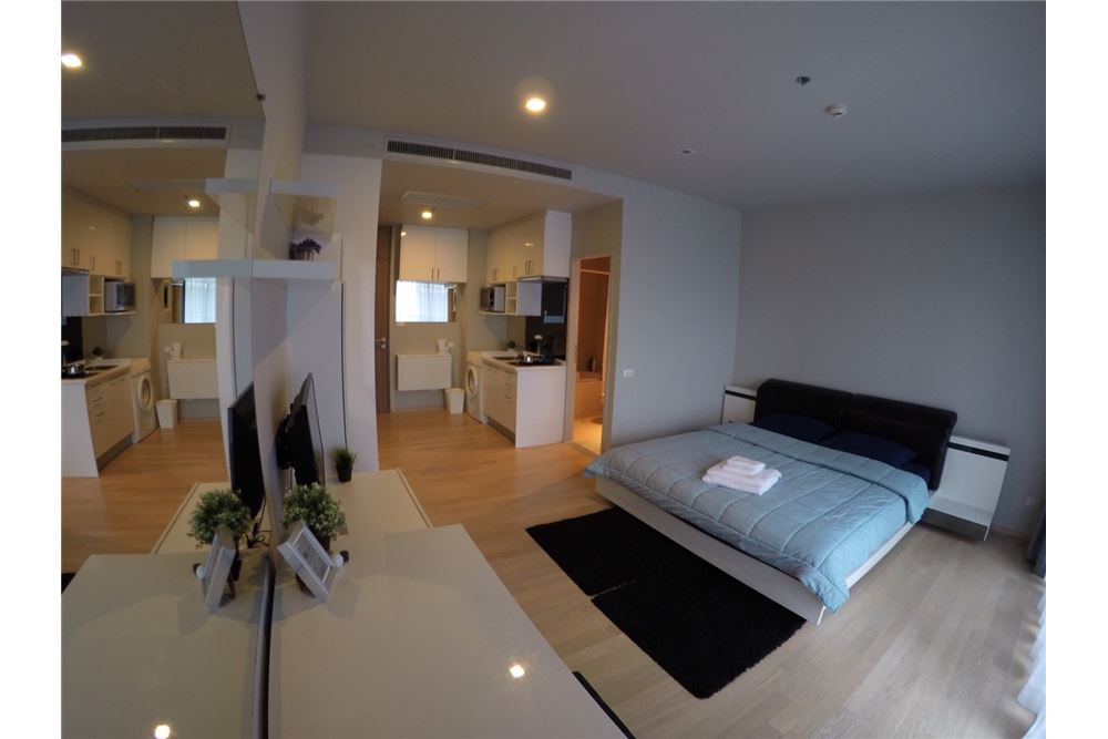 RE/MAX Executive Homes Agency's Cozy Studio type Bedroom for Rent Noble Refine 3