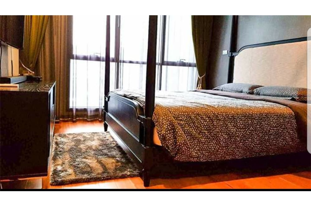 RE/MAX Executive Homes Agency's Spacious 1 Bedroom for Sale Hyde 13 3
