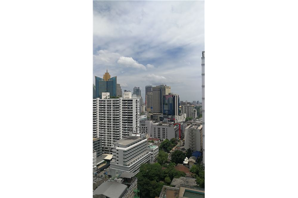 RE/MAX Executive Homes Agency's 15Sukhumvit Residences 1 Bedroom for sale and rent 2