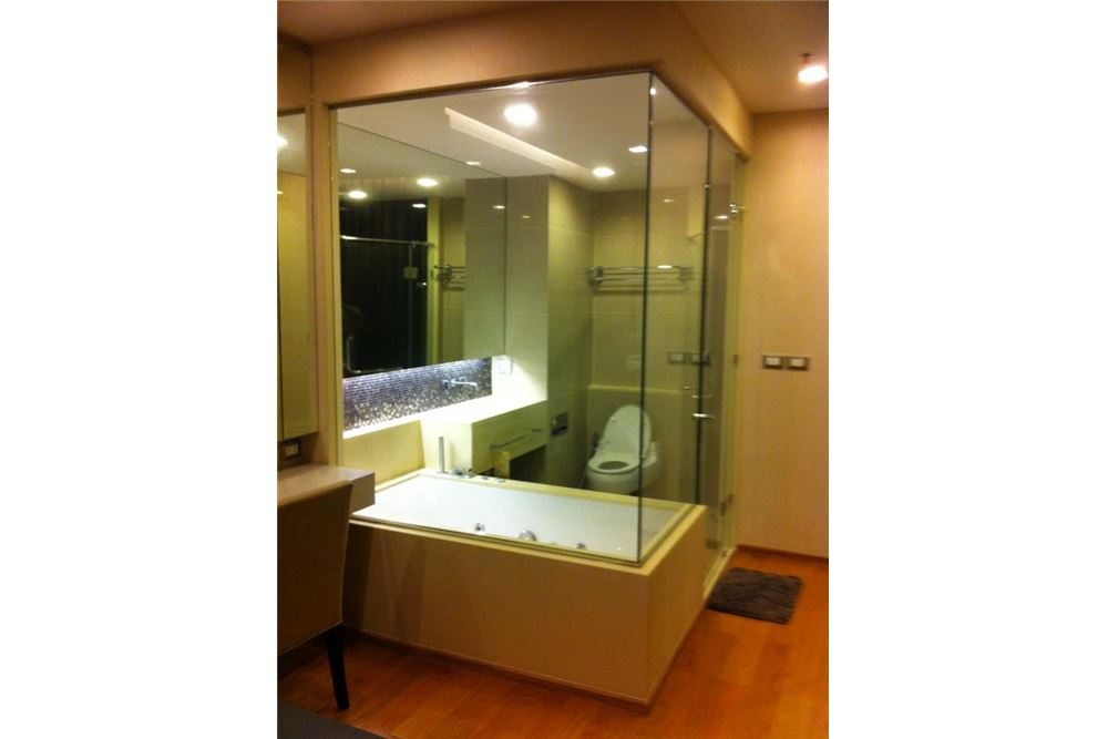 RE/MAX Properties Agency's FOR RENT THE ADDRESS ASOKE  1BED 46 SQM 5