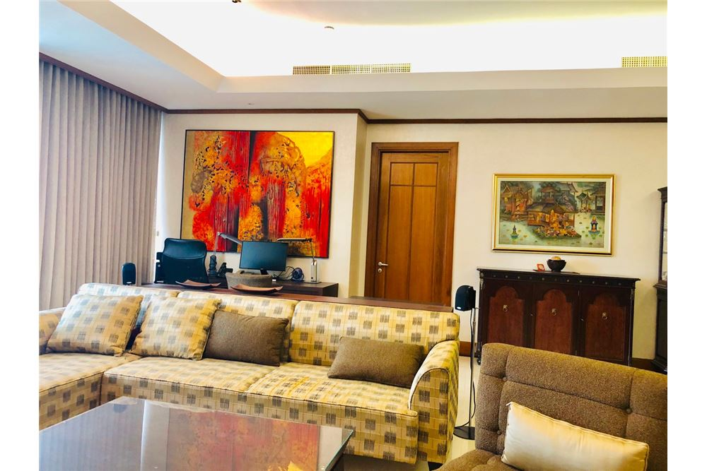 RE/MAX Executive Homes Agency's 3 Bedroom Condo for Sale at The Ascott Sathorn 2