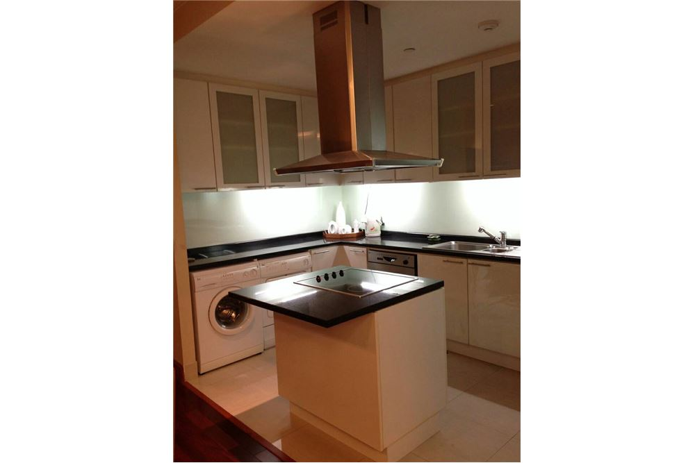 RE/MAX Executive Homes Agency's Lovely 2 Bedroom for Rent Sky Villas Sathorn 6
