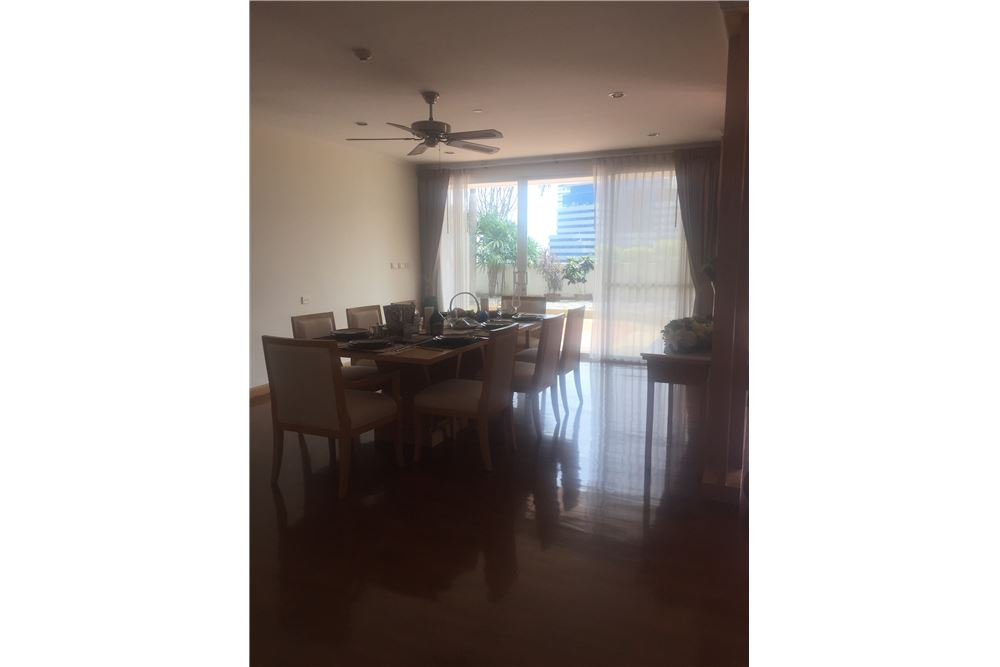 RE/MAX Executive Homes Agency's Spacious 4 Bedroom for Rent near BTS Phromphong 2