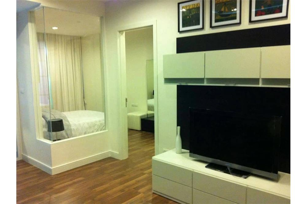 RE/MAX Properties Agency's 1 Bed for rent 25,000 At the room 62!!! 3