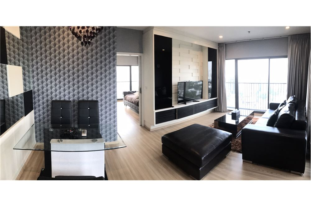 RE/MAX Executive Homes Agency's Spacious 1 Bedroom for Rent Noble Remix 6