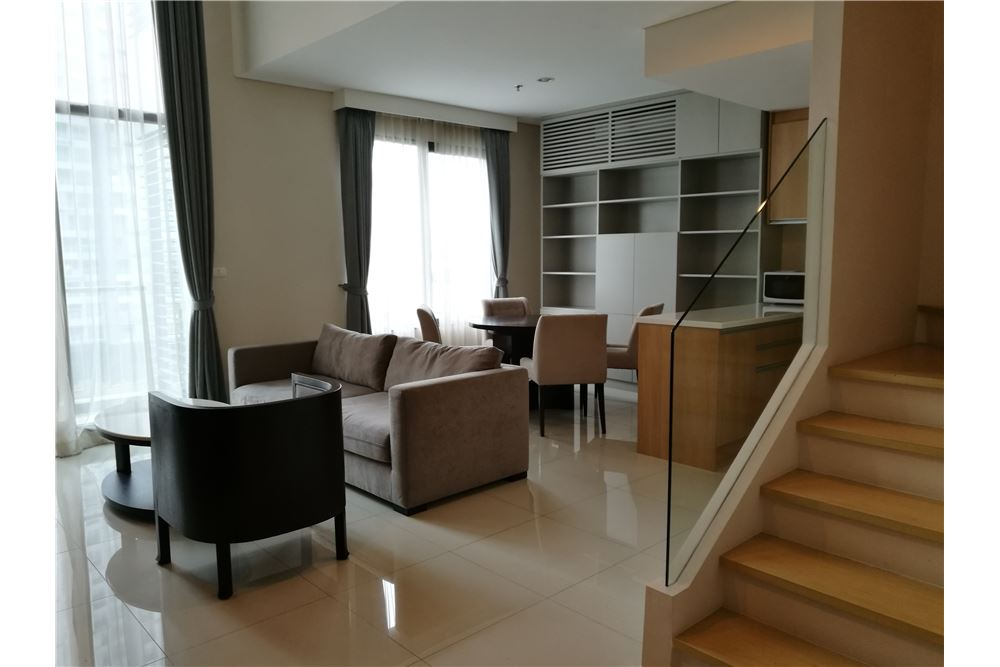 RE/MAX Executive Homes Agency's Lovely 1 Bedroom Duplex for Rent Villa Asoke 4