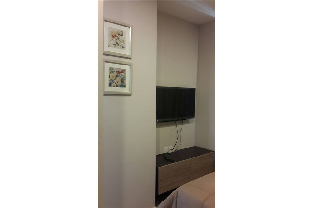 RE/MAX Properties Agency's RENT The Room Sukhumvit 69 1BED 35SQM. 11