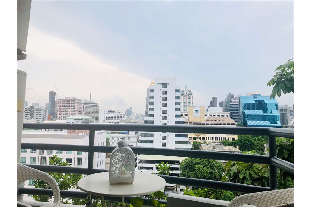 RE/MAX Executive Homes Agency's 2 Bedroom Condo for Rent in Silom 13