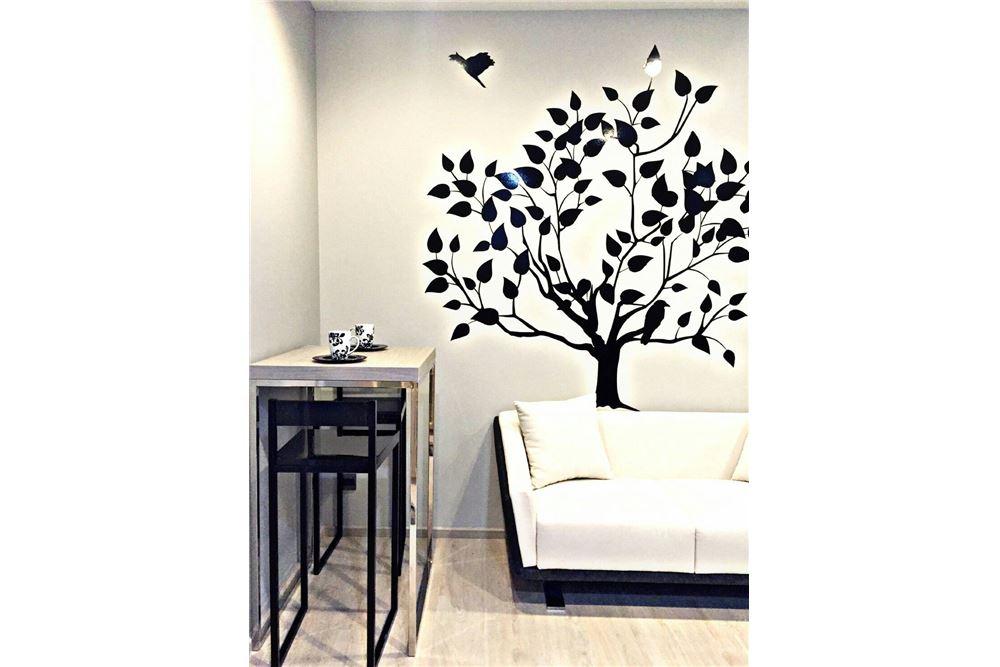RE/MAX Executive Homes Agency's M Thonglor 10 1 bed, pet friendly near BTS Ekkamai 2