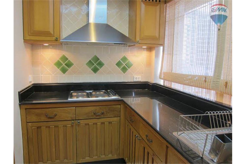 RE/MAX Properties Agency's FOR SALE  LANGSUAN VILLE   2BED 160.83SQM 7