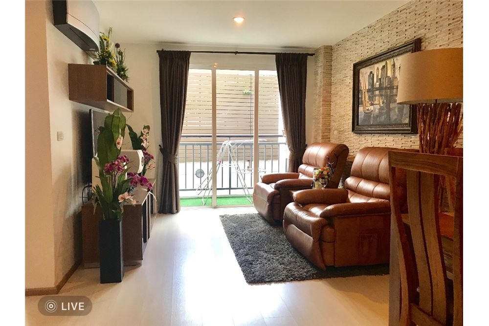 RE/MAX Executive Homes Agency's 1Bedroom For Sale VOQUE16, Fully furnished, Sukhumvit 16, BTS Asoke, MRT Sukhumvit 1
