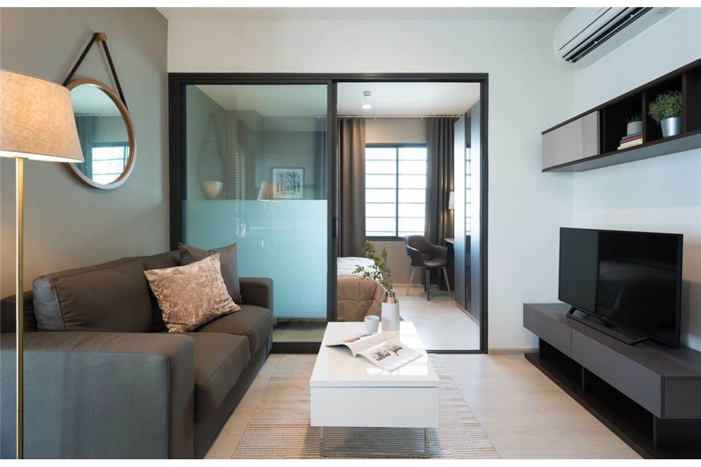 RE/MAX Executive Homes Agency's Rhythm Asoke II beautiful few rooms available for 2