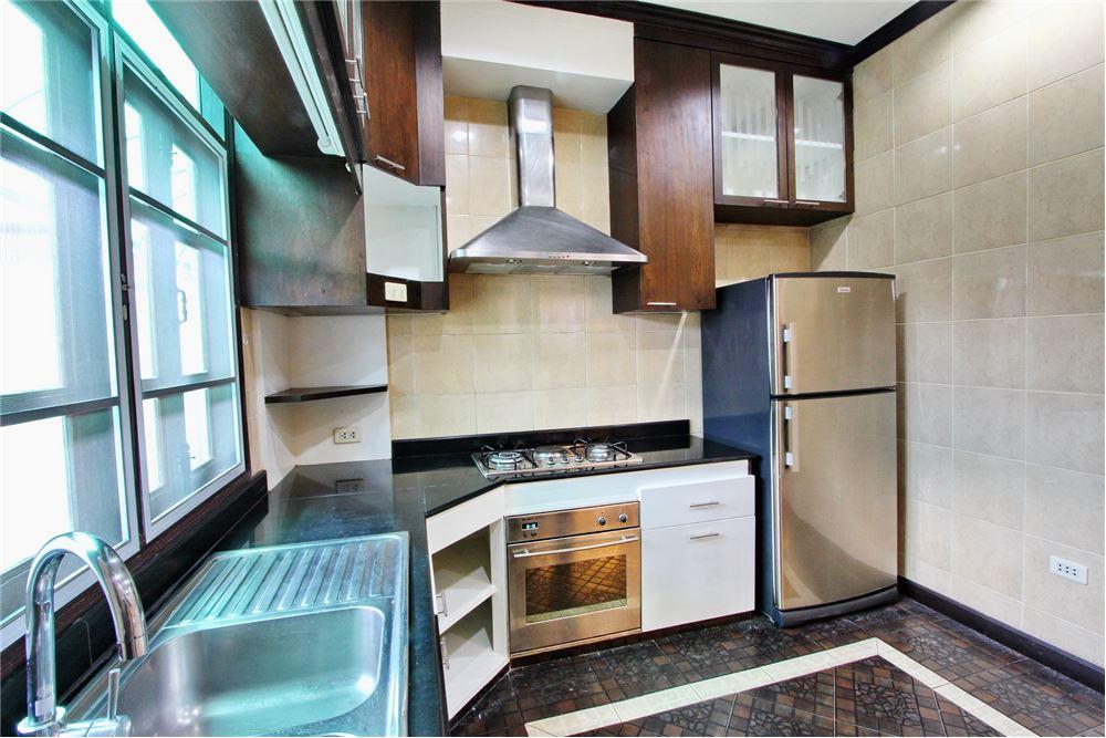 RE/MAX Executive Homes Agency's 4 bedroom house for rent near BTS Ekkamai 7