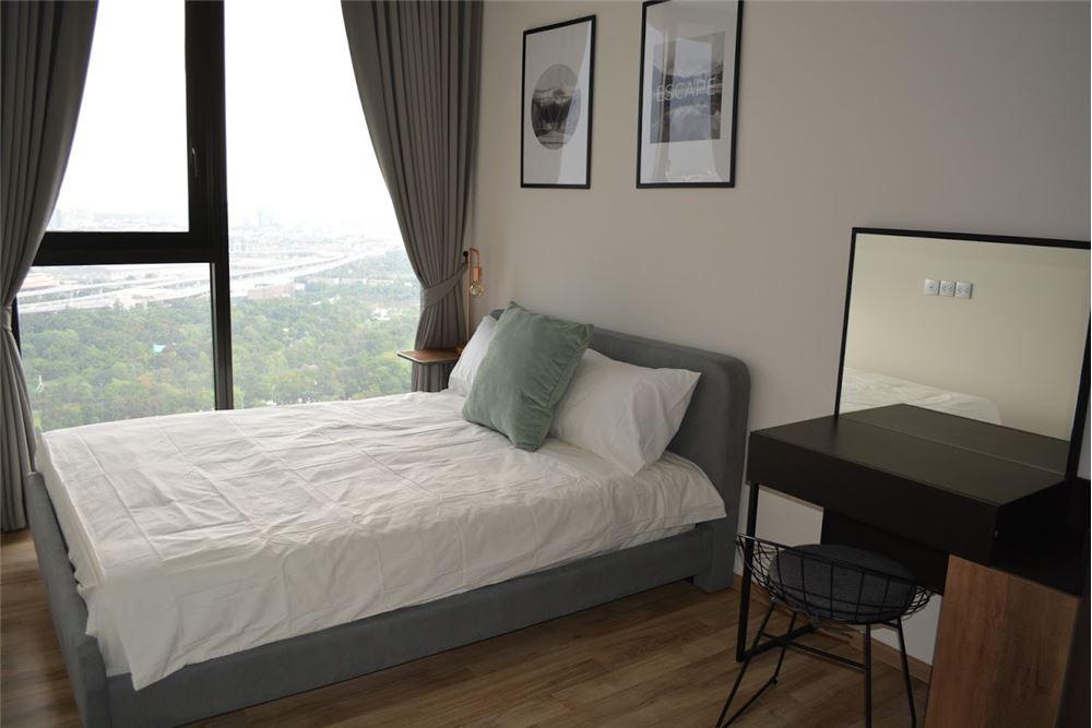 RE/MAX Executive Homes Agency's 2 Bedrooms For Rent at The LINE  JATUJAK 10