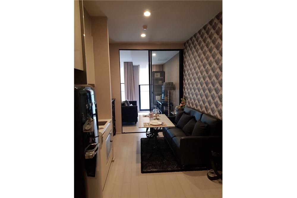 RE/MAX Executive Homes Agency's Spacious 1 Bedroom for Rent Noble Phloenchit 3