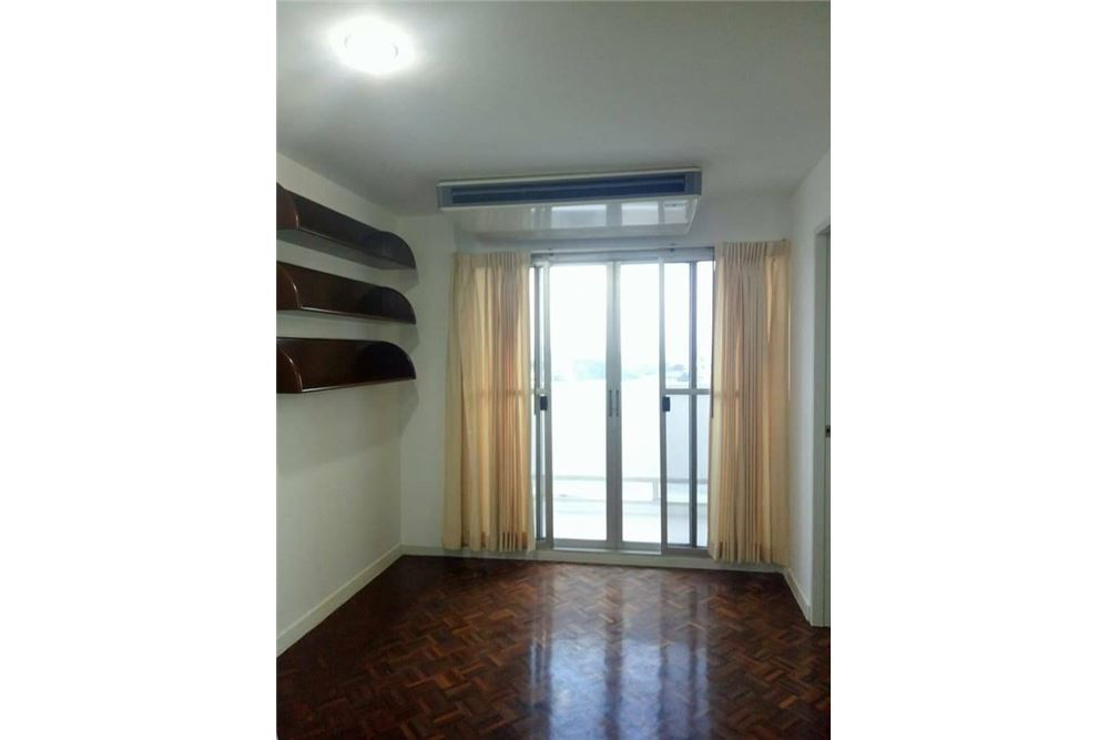 RE/MAX Properties Agency's for rent 2bedroom Tai Ping Towers 3