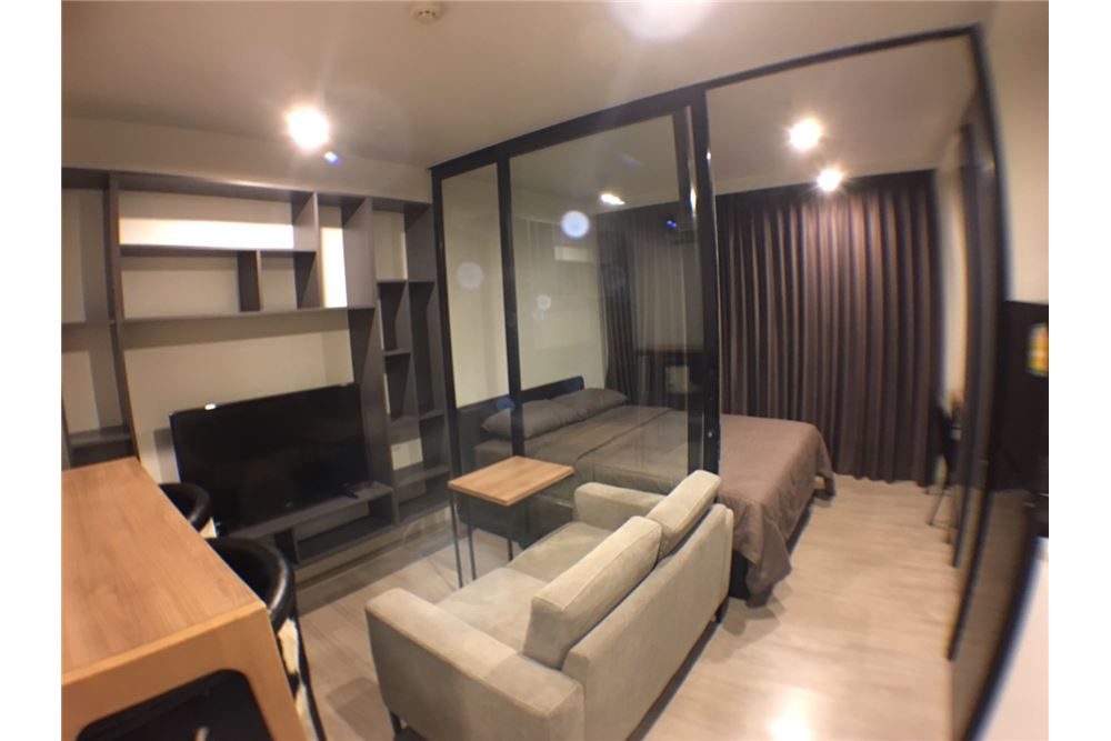 RE/MAX Properties Agency's Maestro 02 Ruamrudee 1bedroom for rent 1