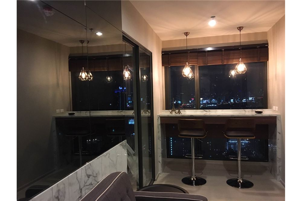 RE/MAX Properties Agency's Brand new 1 Bedroom for rent Rhythm Asoke 4