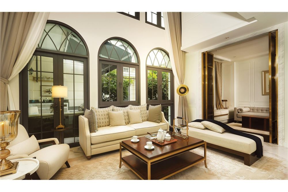 RE/MAX Executive Homes Agency's private luxury residences within a gated community 1
