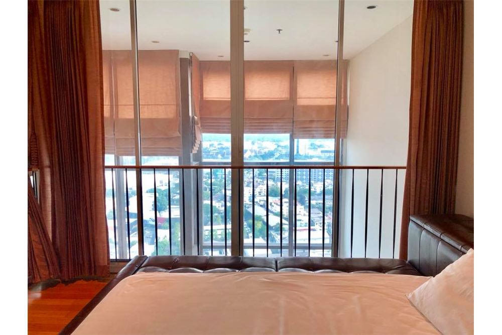 RE/MAX Properties Agency's RENT The Emporio Place Duplex 82.68SQM. 9