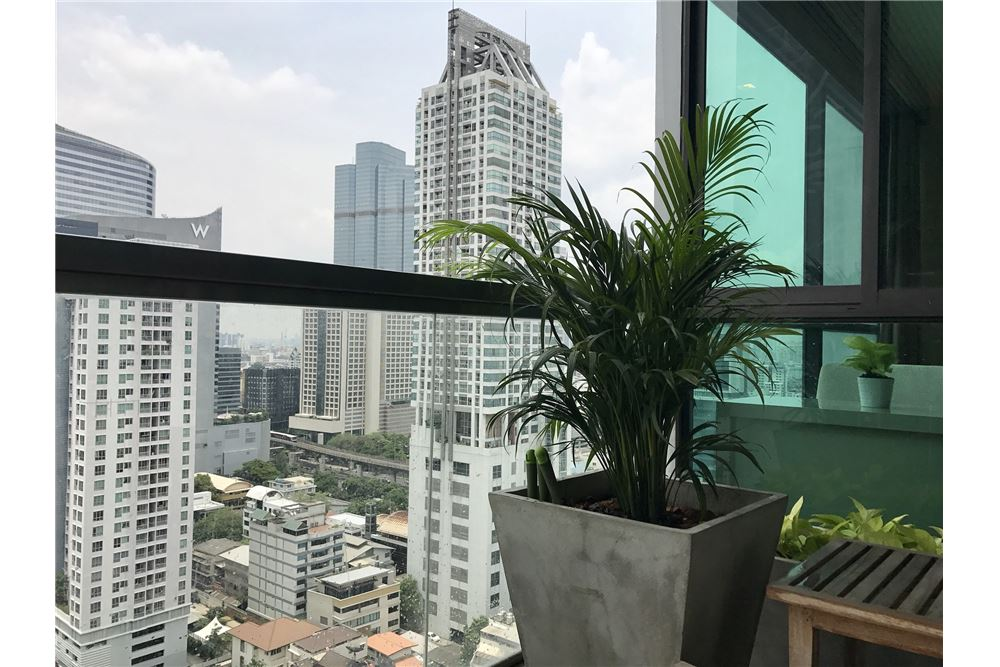 RE/MAX Executive Homes Agency's Beautiful 2 Bedroom for Rent Address Sathorn 7