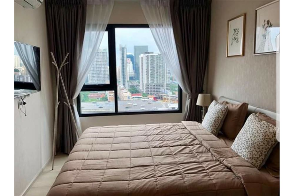RE/MAX Executive Homes Agency's Nice 1 Bedroom for Rent Life Asoke 1