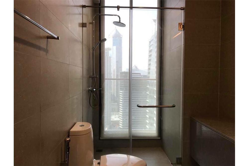 RE/MAX Properties Agency's Noble Ploenchit 1bedroom for rent, high floor 5