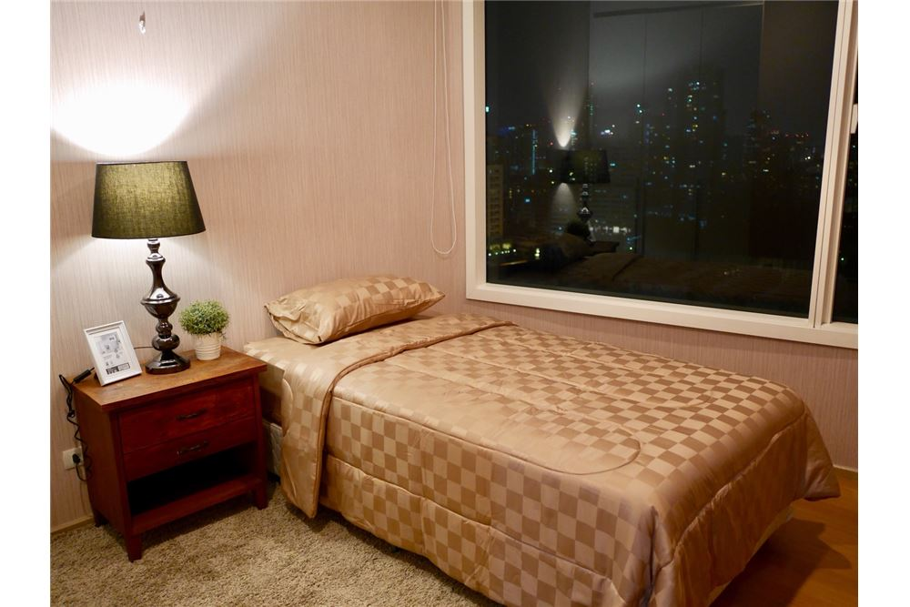 RE/MAX Properties Agency's 2 Beds for rent @ 39 by Sansiri 10
