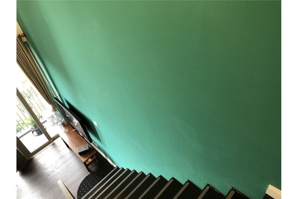 RE/MAX Executive Homes Agency's Stylish 1 Bedroom Duplex for Rent Ashton Morph 38 13