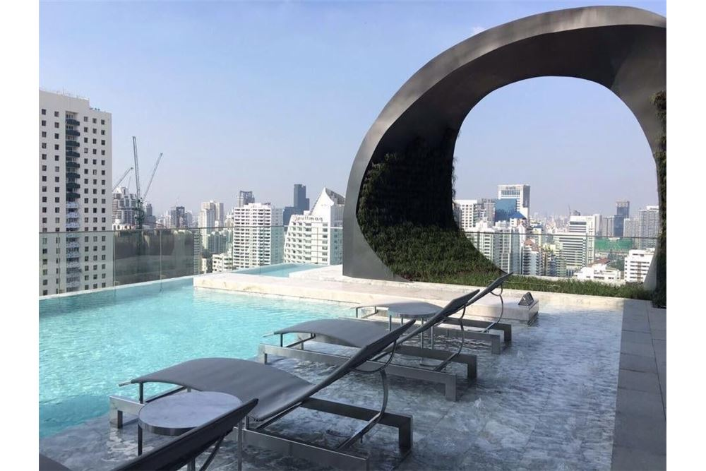 RE/MAX Properties Agency's FOR SALE  EDGE Sukhumvit 23  1BED 31.5SQM 6