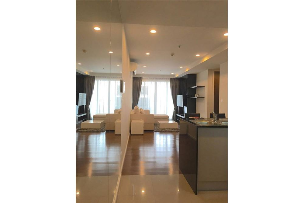 RE/MAX Executive Homes Agency's 15 Sukhumvit Residences / 2 Bedroom / for Rent 2