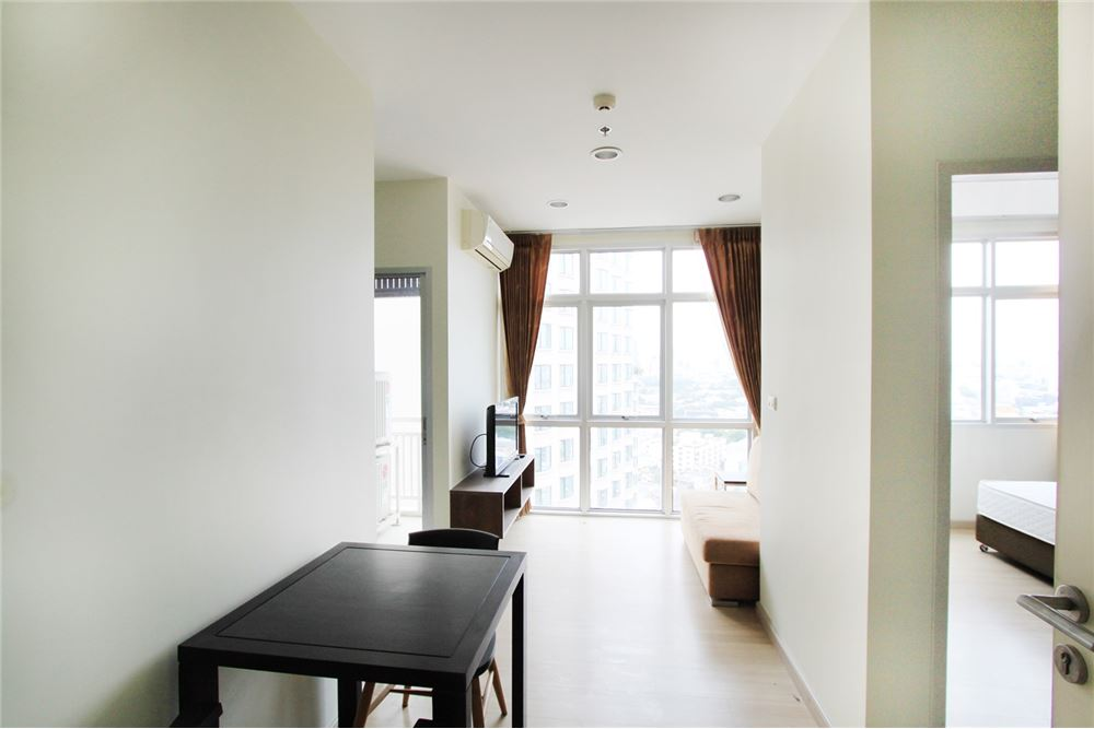 RE/MAX Properties Agency's 1 Bedroom for sale 3.6 MB 3
