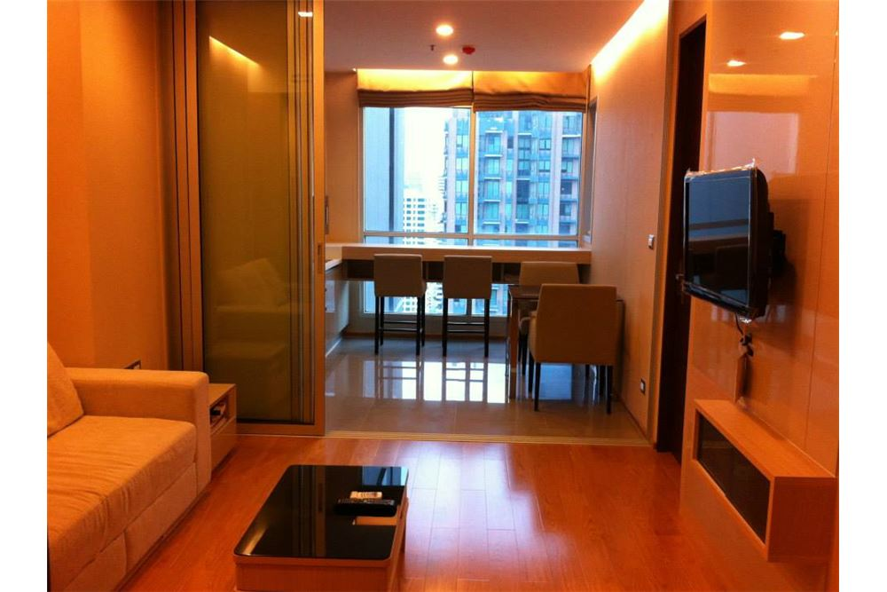 RE/MAX Executive Homes Agency's 1 Bedroom / for Rent / The Address Asoke 1