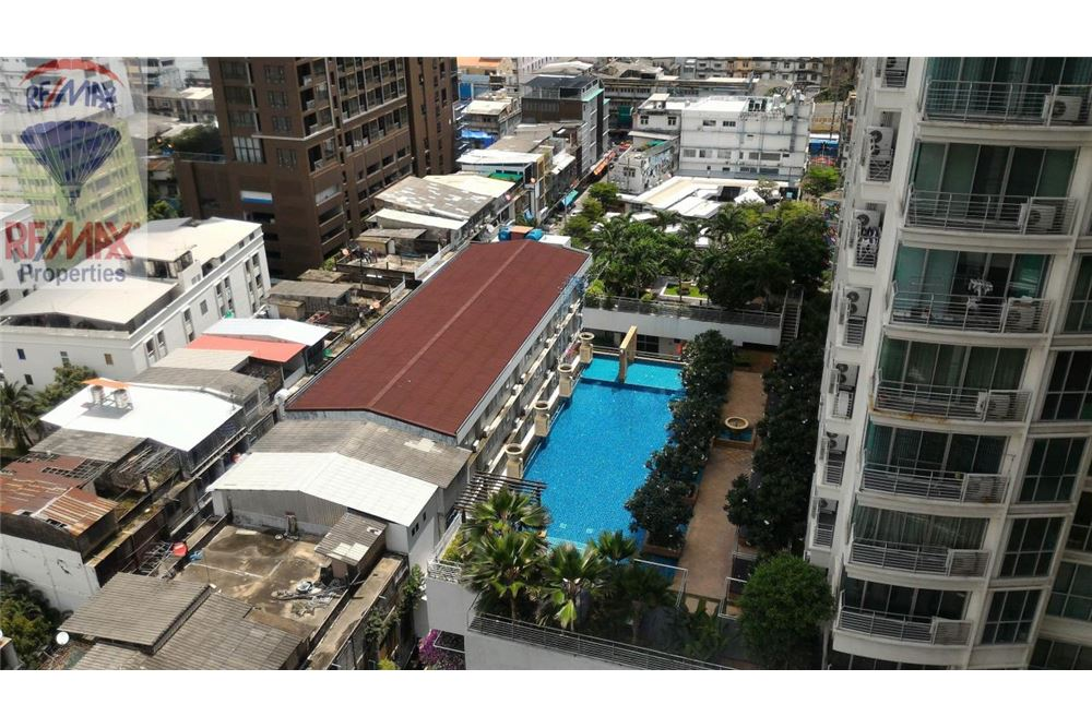 RE/MAX Properties Agency's FOR RENT The Room Sukhumvit 69 2BED 82SQM. 11