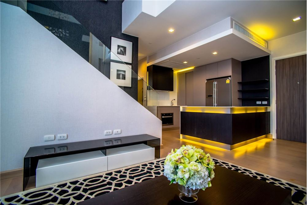 RE/MAX Properties Agency's RENT Urbano Absolute Sathon-Taksin 3BED 120SQM. 4