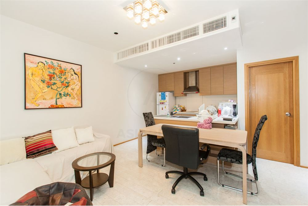 RE/MAX Properties Agency's FOR SALE   THE EMPORIO PLACE 1BED 90SQM 3
