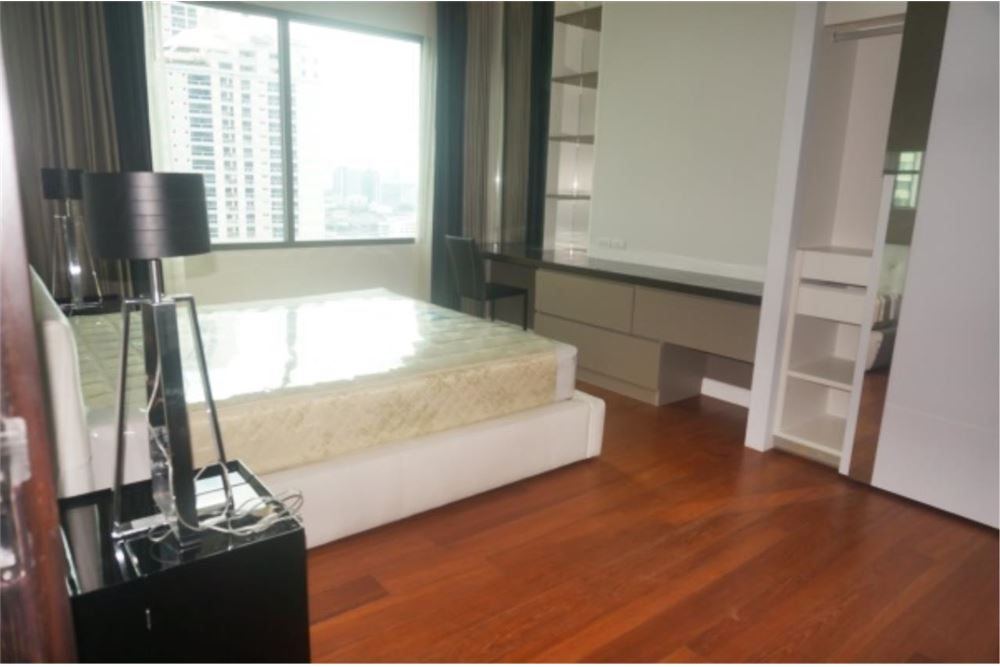 RE/MAX Properties Agency's FOR RENT  Bright Sukhumvit 24  1BED 67.5SQM 2