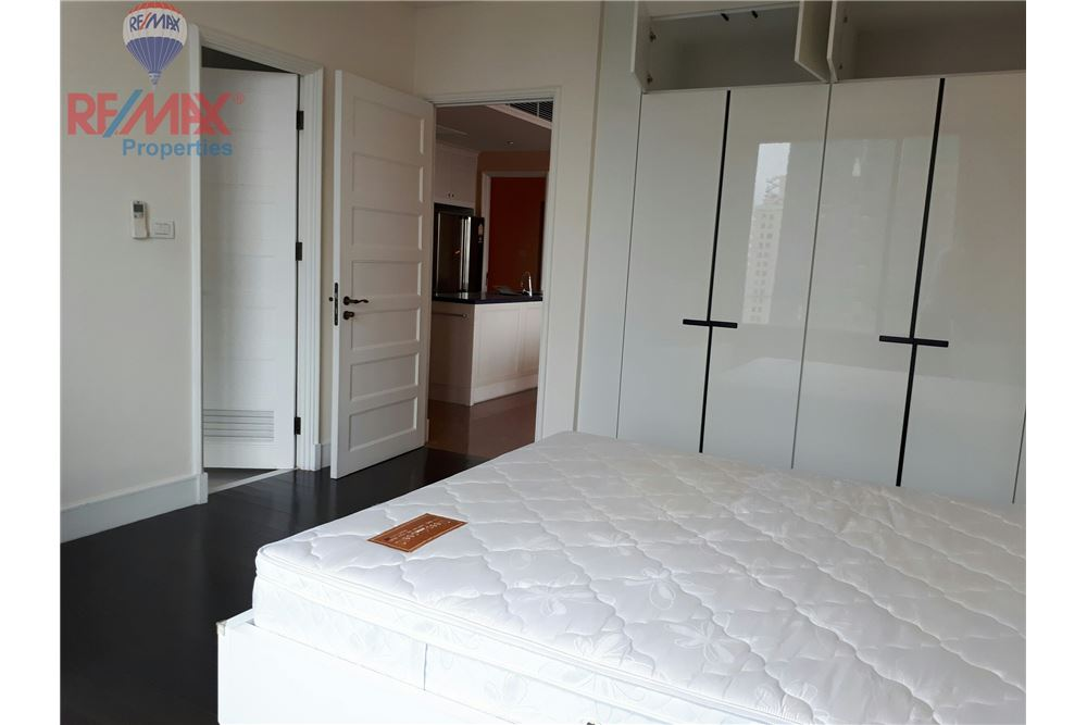 RE/MAX Properties Agency's RENT 3 Bedroom 150 Sq.m at Aguston Sukhumvit 22 4