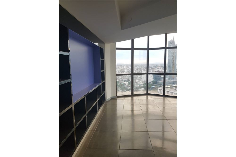 RE/MAX Properties Agency's SALE State Tower 3BED 191SQM. 14