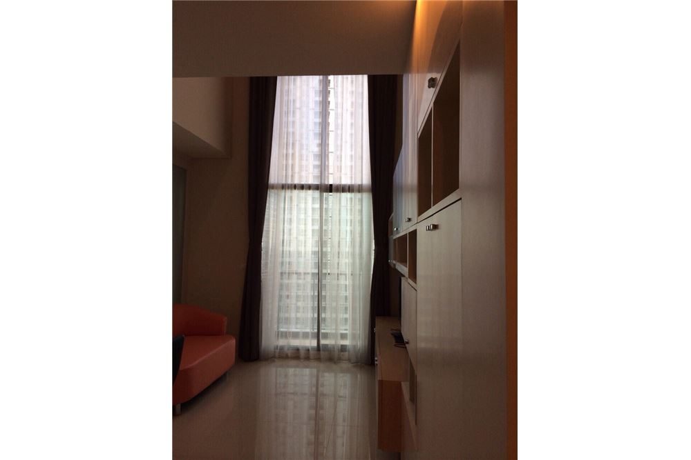 RE/MAX Executive Homes Agency's Nice Duplex 1 Bedroom For Rent Villa Asoke 1