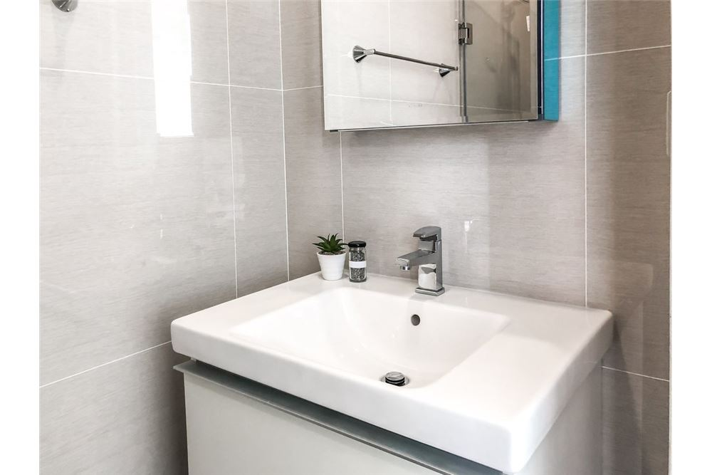 RE/MAX Properties Agency's RENT New condo at Park 24 1BED 30SQM. 8