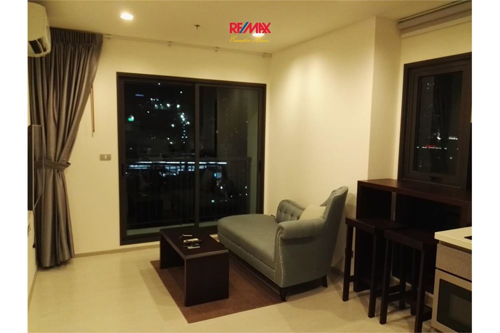 RE/MAX Executive Homes Agency's Lovely 1 Bedroom / for Rent / Rhythm 36-38 2
