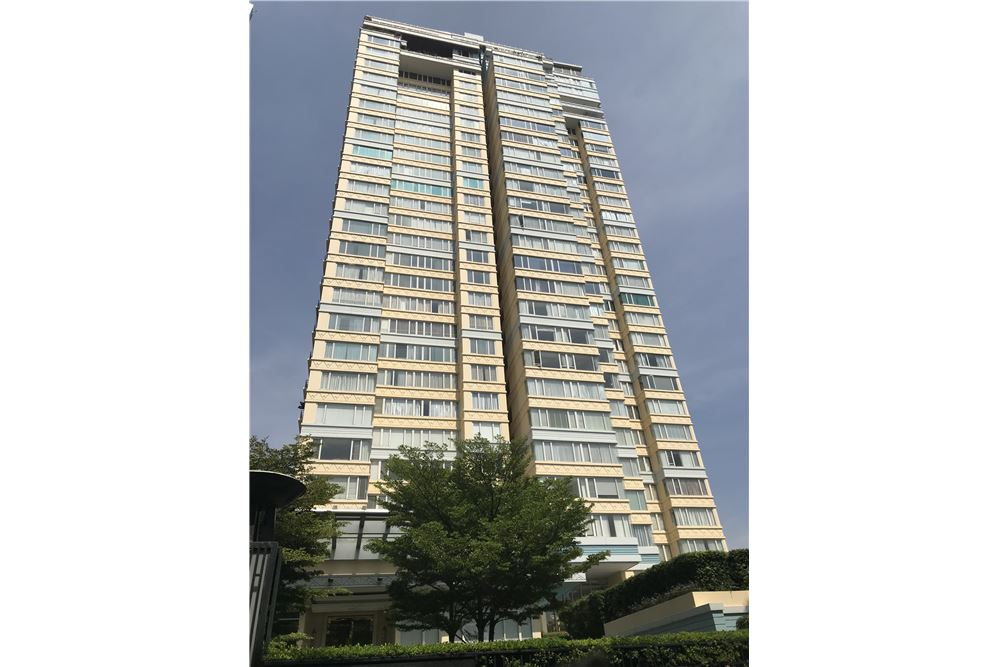 RE/MAX Properties Agency's 2bed Hampton Thonglor 10 1