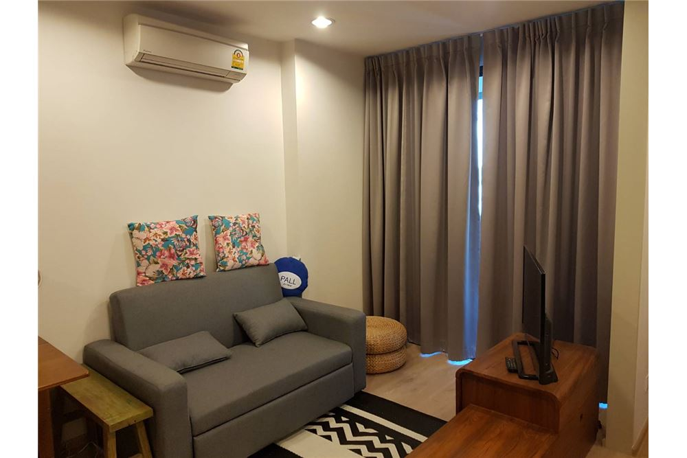 RE/MAX Executive Homes Agency's Rhythm Asoke beautiful rooms for sale/rent. Ideo Q 2